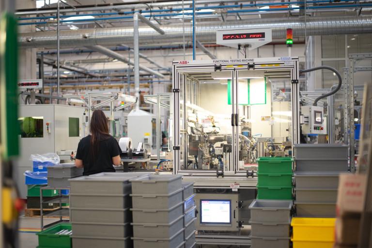 Фабрика на ABB в България
